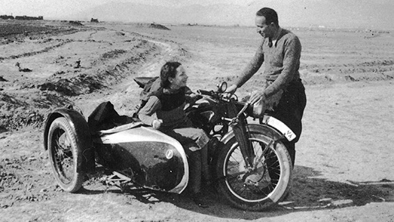 Erika Busse and Hans S. Grossmann, parents of Atina Grossmann, in the Iranian desert, c.1939. Image courtesy Atina Grossmann