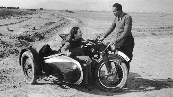 Erika Busse and Hans S. Grossmann, parents of Atina Grossmann, in the Iranian desert, c.1939. Image courtesy Atina Grossmann