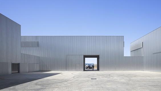 Factory Of Electric Assembly - Architect: José María Sánchez García, Photograph: Roland Halbe