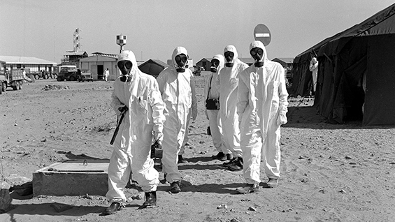 "Fig. 1 Preparation work for ""Gerboise Bleue,"" Saharan Center for Military Experiments, Reggane, Algerian Sahara, January 1960 © Raymond Varoqui / SCA / ECPAD"