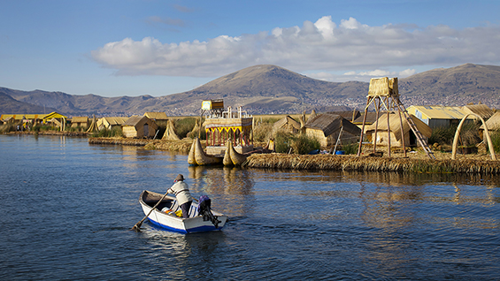 Las Islas Flotantes, Lake Titicaca, Peru. Image courtesy of Enrique Castro-Mendivil