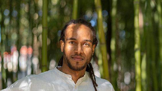 Photo by Bénédicte Roscot
