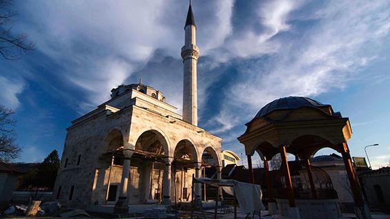 Rebuilding of Ferhadija Mosque, Banja Luka, Bosnia & Herzegovina Image: Derek Wiesehahn. © 2016 Vast Productions USA