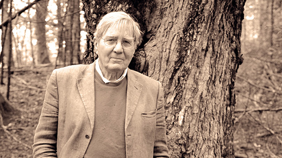Galway Kinnell in Vermont. Photo by Richard Brown, courtesy of gallwaykinnell.com