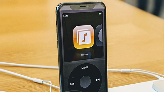 Elvin Hu's nostalgic iPod classic music player for iOS.