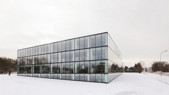 OFFICE–Chambre of Commerce, Kortrijk, Belgium, 2008-2010   photo: Bas Princen
