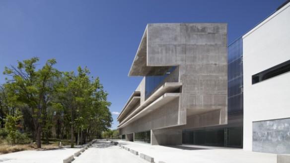 Héctor Fernández Elorza:'Genetics Laboratory and Office Building'